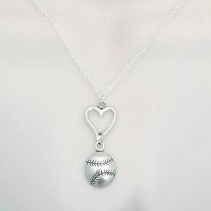 Vintage Gümüş Kalp Softbol beyzbol kolye kolye Charm Bildirimi gerdanlık Dostluk Salkım Erkekler Kadınlar Takı DIY Parti Hediyeleri 20PCS