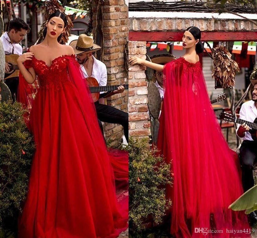 Yeni Seksi Kırmızı Gelinlik Modelleri Kapalı Omuz Dantel Aplikler İmparatorluğu ile Cape Tül Uzun Abiye Giyim Ucuz Red Carpet Örgün Parti Abiye