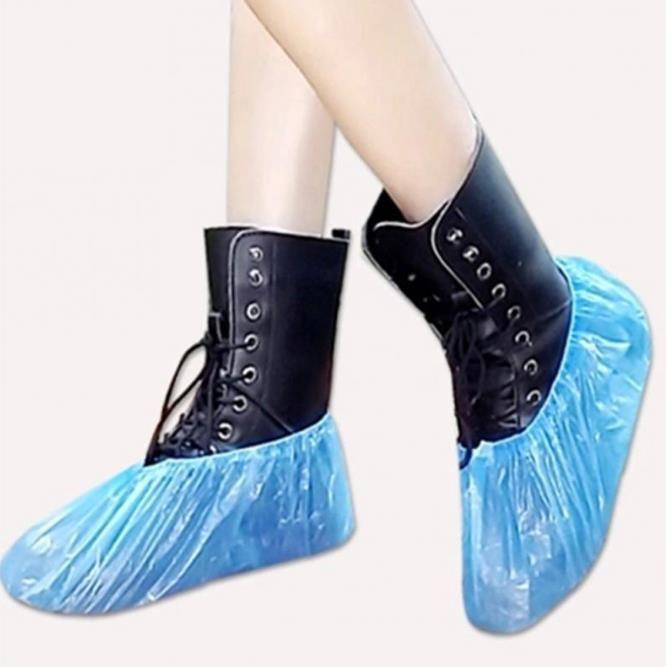100Pcs Tek Plastik Kalın Açık Yağmurlu Gün Halı Yıkama Ayakkabı Kapak Mavi su geçirmez ayakkabı örtüleri Sıcak satış ayakkabı kapağı
