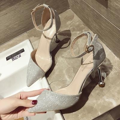 Niñas zapatos de tacón alto femeninos 2020 nueva versión coreana de la hebilla de la palabra puntas con zapatos de gamuza estilete atractivo zapatos de trabajo de la marea