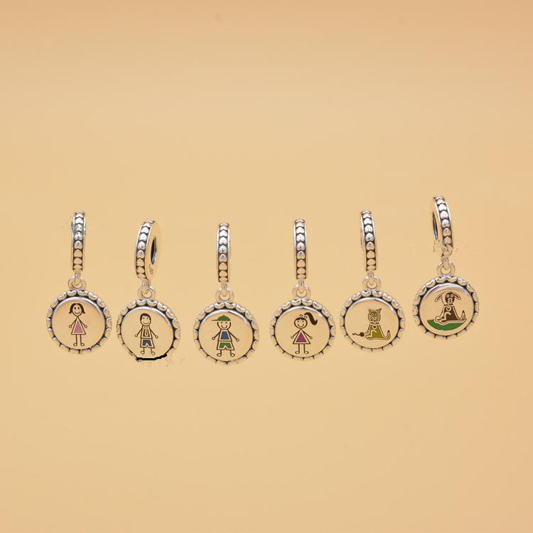 Family Silver Stick Figure CARTOON Подвески включают мама мальчика девушки животных приспосабливать европейский стиль браслеты ожерелья Женщина ювелирных изделий TTA-993