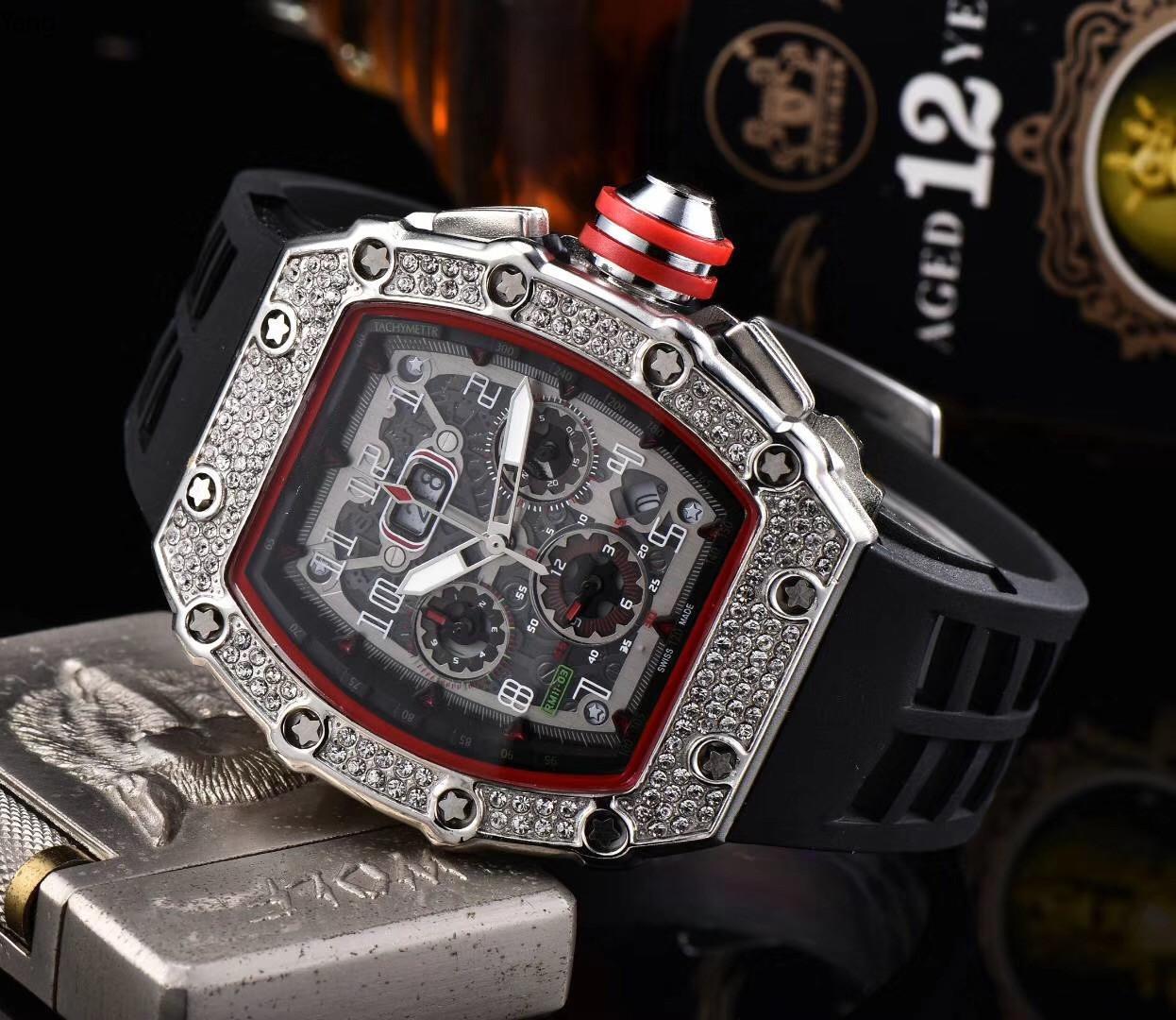 Atacado Mens Moda Relógio de luxo All Dial Trabalho Chronograph moldura do diamante para fora congelado Designer Assista Movimento Quartz relógio de pulso esporte