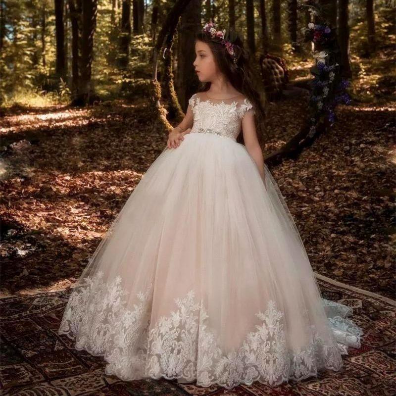 Princesse dentelle dentelle dentelle robe de ballon fleur girls robes champagne applique enfants pageant robes petites guidiques robes de fête d'anniversaire