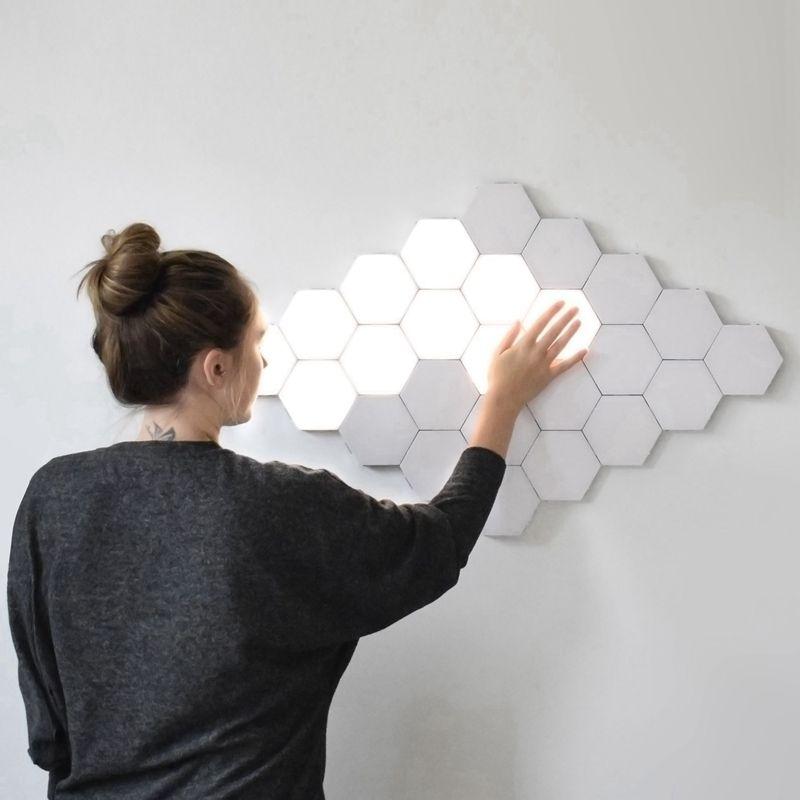 Lámparas LED de la lámpara modular hexagonal Prensa iluminación sensible luz de la noche de los hexágonos magnéticos Decoración de pared creativo Lampara