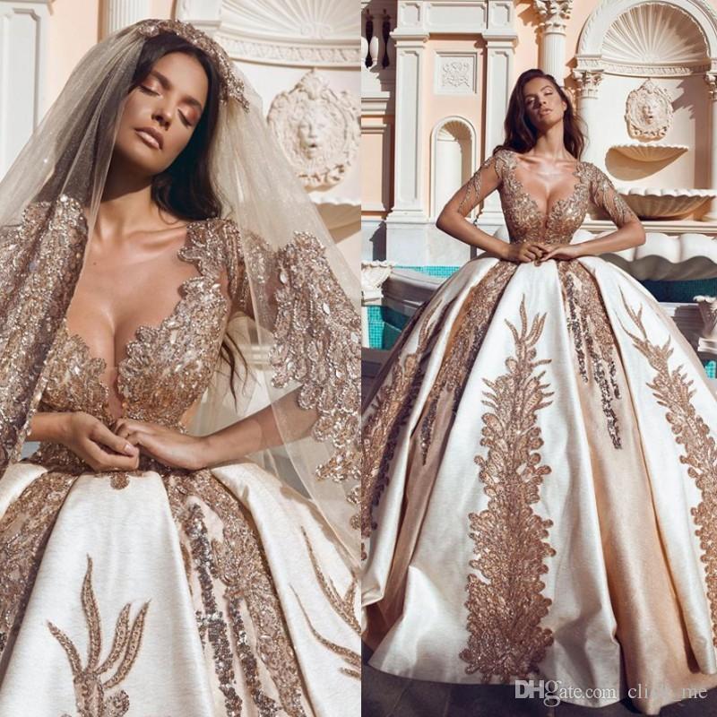 Vintage Ballkleid Brautkleider Sexy Ausschnitt 3D Applikationen Spitze Perlen Hochzeitsgast Kleid Sweep Zug Wunderschöne Braut Vestidos Billig