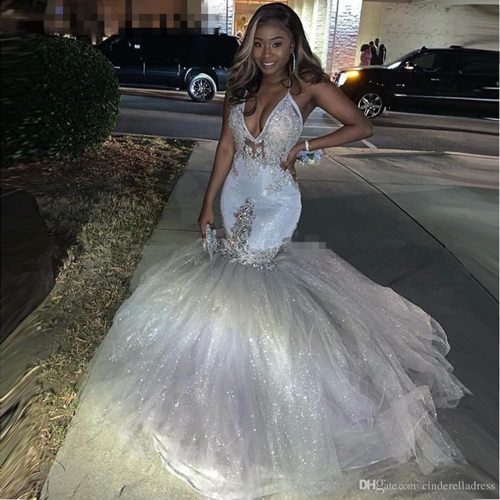 2020 반짝 실버 섹시한 V - 목 인어 반사 댄스 파티 드레스 스파게티 스트랩 아프리카 긴 공식적인 저녁 가운 졸업 파티 드레스