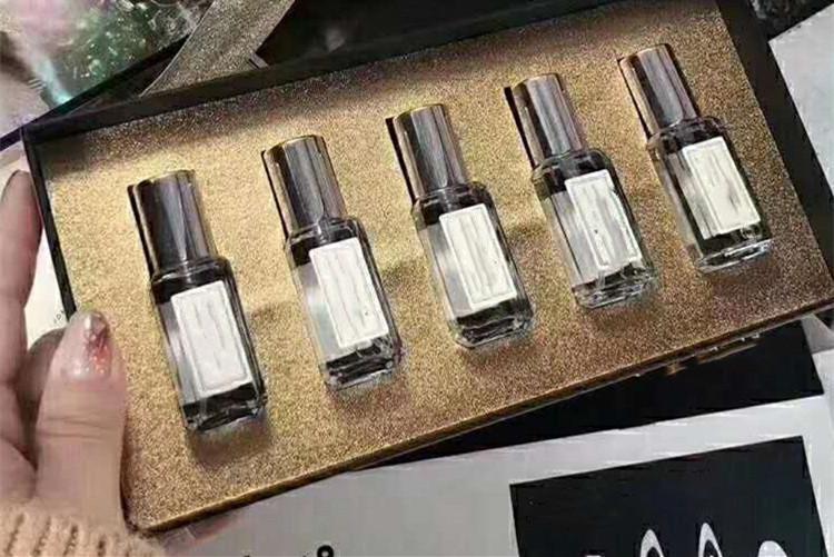 5pcs Moda BRNAD Fragancias calientes / Set incienso Fragancias para mujeres de 9 ml Mini Perfumes 5style / Fragancias Kit de maquillaje con encanto