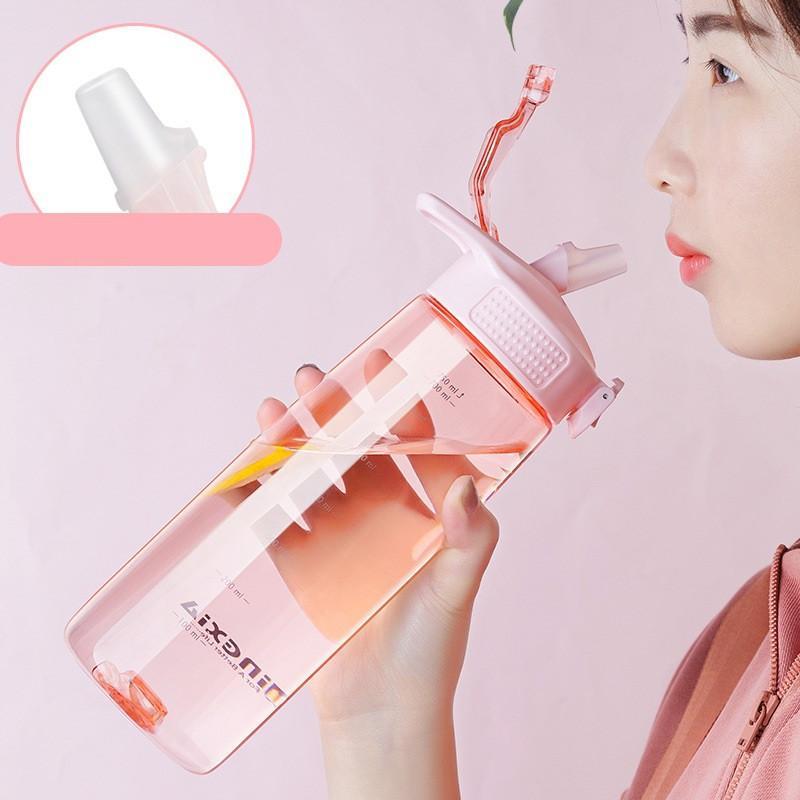 قنينة ماء بلاستيكي 550ml / 750ml جولة سياحية لزجاجات شراب المشي لمسافات طويلة