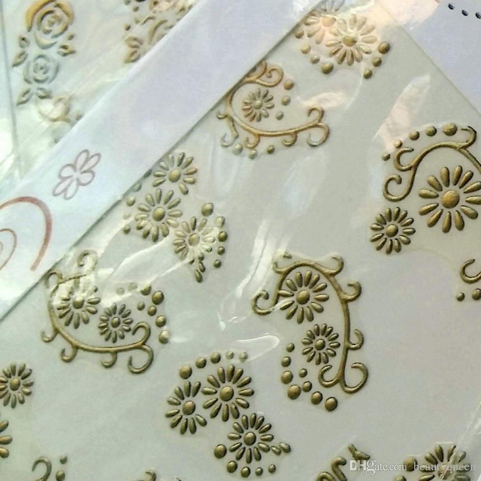 24 stücke Matt Gold Metall Metallic Nail Sticker Aufkleber Decals SWIRL FLOWER LACE SCHMETTERLING Retro Designs Klebstoff Appliques Tipps Tattoo Dekoration