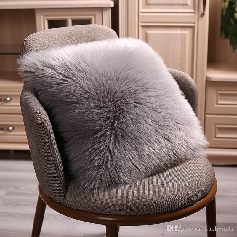 Coussin en peluche Taie Couverture souple solide un côté en fausse fourrure décorative jeter Taie d'oreiller en peluche carré pour la maison Décor d'hiver Coussin chaud
