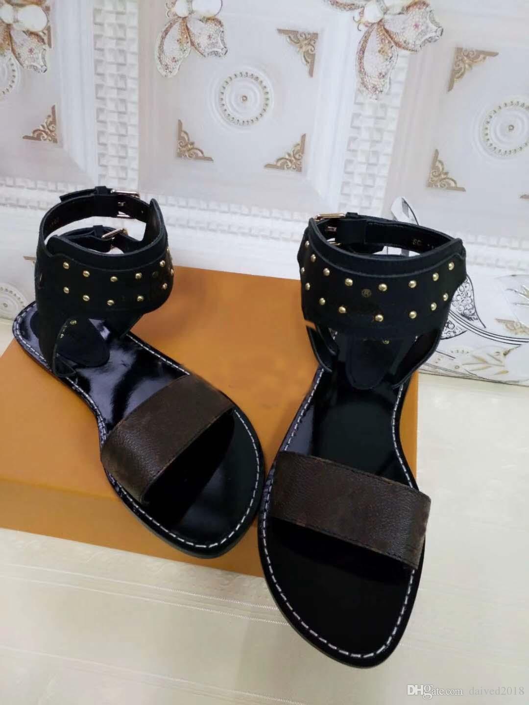 Sandalias de lujo clásico europeo sandalias de solmente solmente zapatos de moda zapatos de moda botón de cuero decorativo