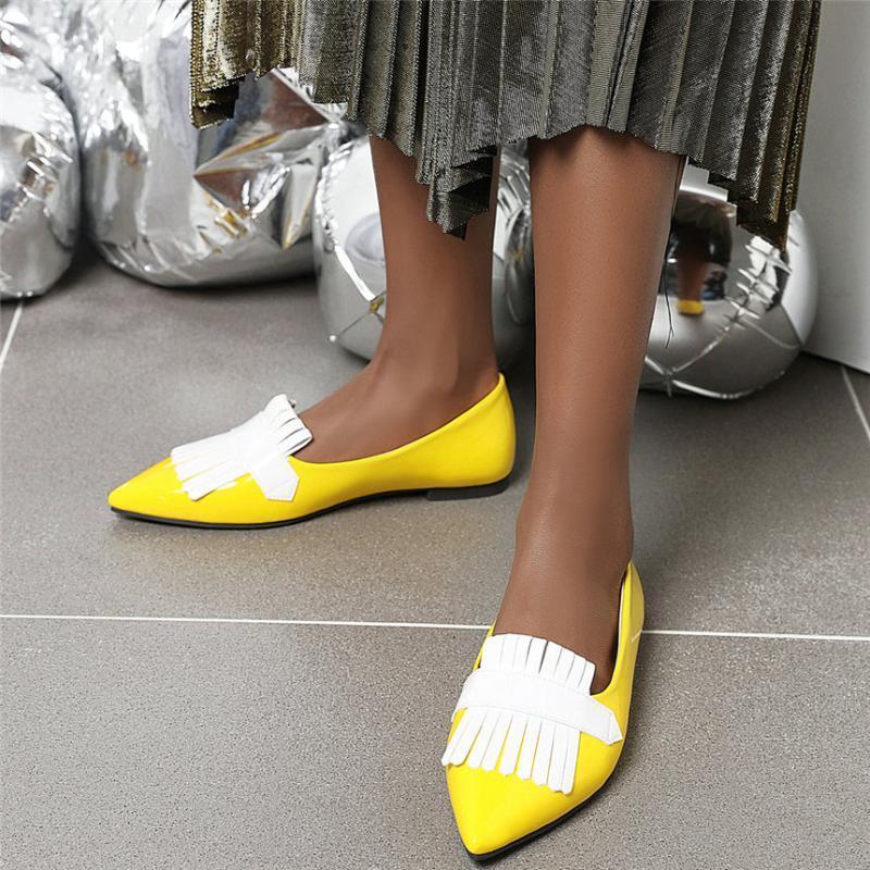 2020 Женщины лакированной кожи Flats каблука Mary Jane Shoes Женщины с низким Топ острым носом Мокасины скольжения на Свадеб Oxfords Chic обувь