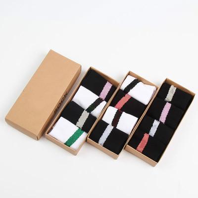 4 paires / boîte 35O V2 chaussettes chaussettes femmes mode Sport hommes casual unisexe Taille gratuit