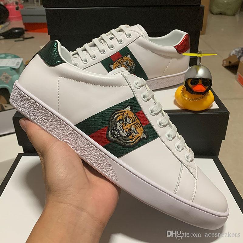 Top-Qualität Tiger-Streifen Neue Designer-Schuhe Weiß Bienen ACE gestickte Mens echtes Leder-Designer-Sneaker Frauen Freizeitschuhe
