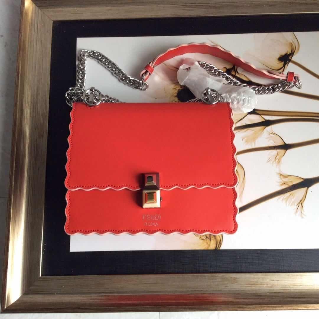 donne borse riutilizzabili Borsa Nuovo modello portatile piccolo pacchetto quadrato Messenger Badge catena pacchetto crossbody borse imbracatura 20 * 16 * 10 cm