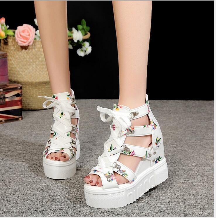 New Roman sandalet bayanlar yüksek topuklu renk eşleştirme çapraz bağ kadın ayakkabıları süper yüksek topuklu yamaç topuk balık ağzı ayakkabı