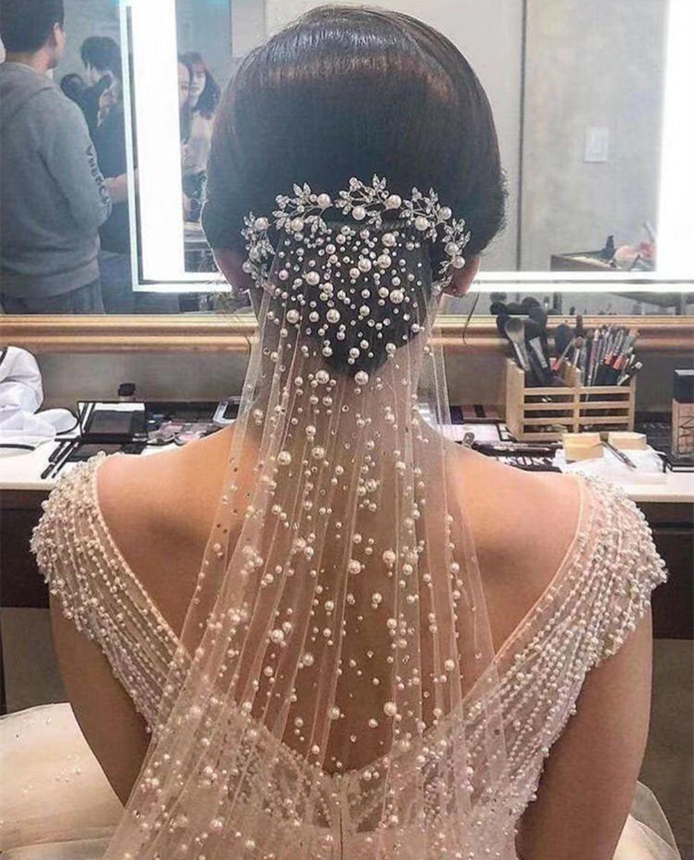 Bridal-Hochzeitsschleier mit Perlen billig kostenloser Versand Spitze Weiß Elfenbein Tüll Hochzeit Braut Schleier Ellenbogenlänge Zwei Ebenen Ereignisse Formale
