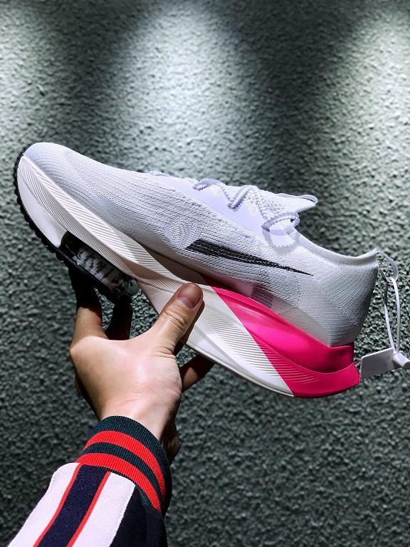 Kutu sıcak erkekler kadınlardan En hızlı Ayakkabı ücretsiz kargo US5.5-US11 ile 2020 Zoomx Sonraki Siyah beyaz pembe koşu ayakkabıları satış