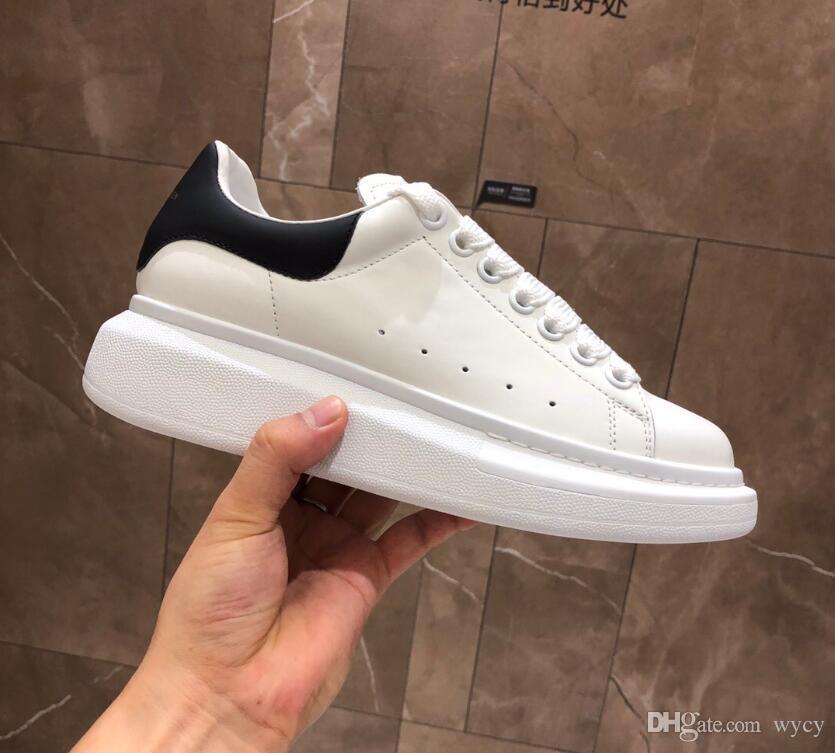 2019 Designer de Sapatos Masculinos de Moda de Luxo Mulheres Sapatos de Couro dos homens Rendas Até Plataforma de Grandes Dimensões Sneakers Sapatos Casuais Preto Branco Com Caixa