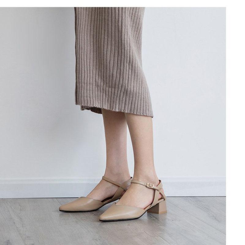 Baotou Sandalen weiblicher 2019 Sommer neues Wort Schnalle Leder flach Mund mit wildem spitzem dicken Rücken mit leeren Damenschuhen Y200326