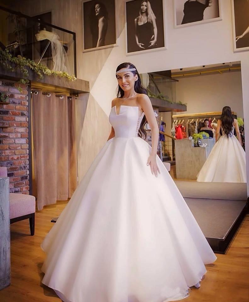 Vintage A Line Свадебные платья 2020 атласная сторона бисером Длина пола Arabic рукавов Свадебные платья Выполненная на заказ