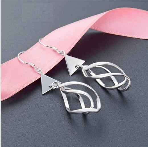 Toptan moda S925 gümüş geometrik üçgen düz gümüş takı küçük taze uzun earrings368 kişiselleştirilmiş