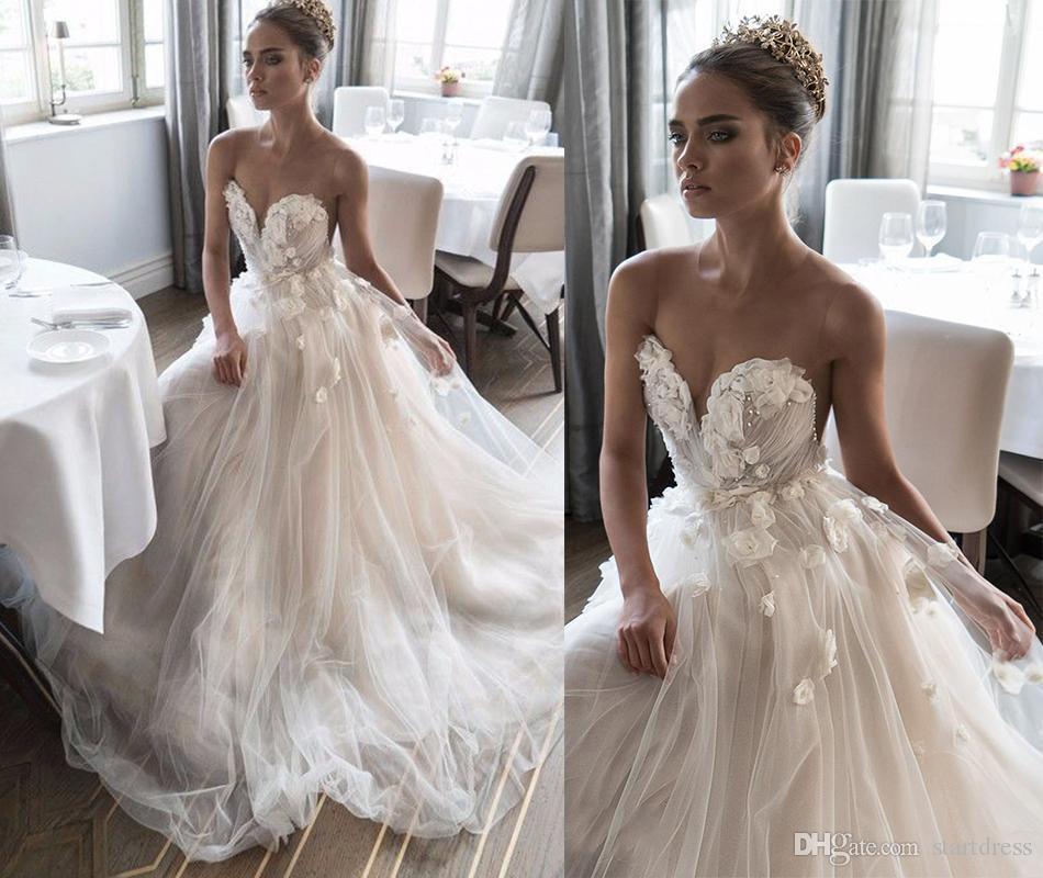 Best Designer Bohemian Wedding Dresses Fitted Handmade Floral Beaded Neck Summer Country Beach Bridal Gowns Cheap Puffy A Line Boho Berta