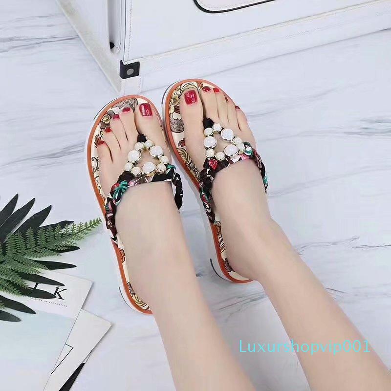 Hot sandálias strass Sale-New Roman para praia senhoras verão para todos os fins praia toe plana férias Bohemian palmilha tecido de seda ouro