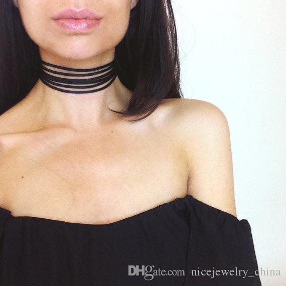 Hot Sales Retro Black Chokers Fashion Necklaces For Women Gothic Girls Fashion Accessories Cheap South Korea Velvet Materials Wholesales