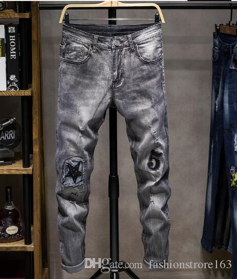 Weihnachten 2019 neue Ankunft! Neue Männer europäische und amerikanische Stretch dünne kleine gerade Stickerei Jeans ..