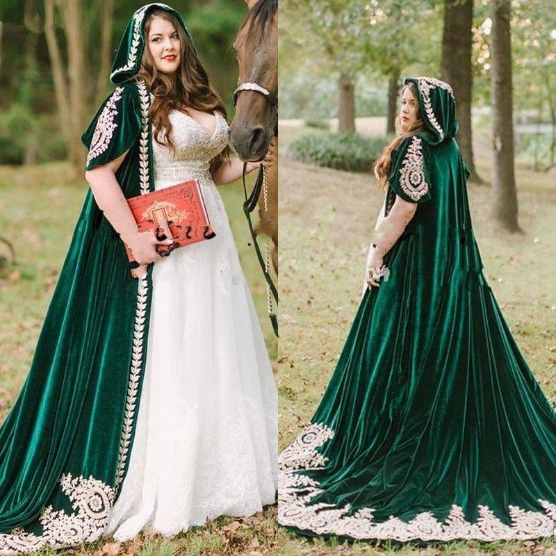 Großhandel - Hunter Green Samt Hochzeit Mantel Holzhaube Lange Brautkape Bolero Wrap Hochzeitszubehör mit gold Spitze Applique