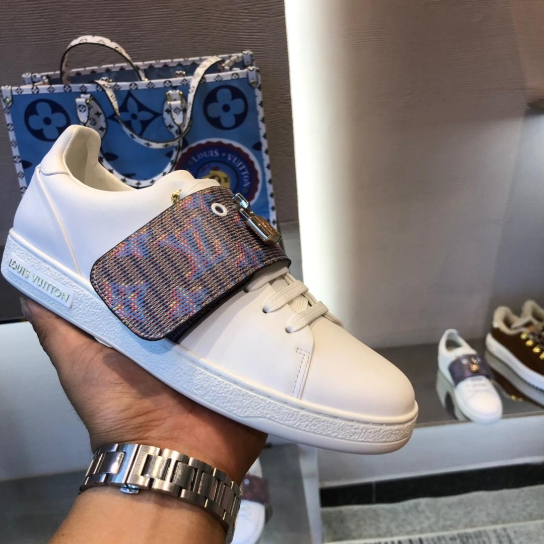 nouvelle mode chaussures de luxe chaussures plates occasionnels femmes couleur correspondant blanc et brun chaussures de sport antidérapante respirant