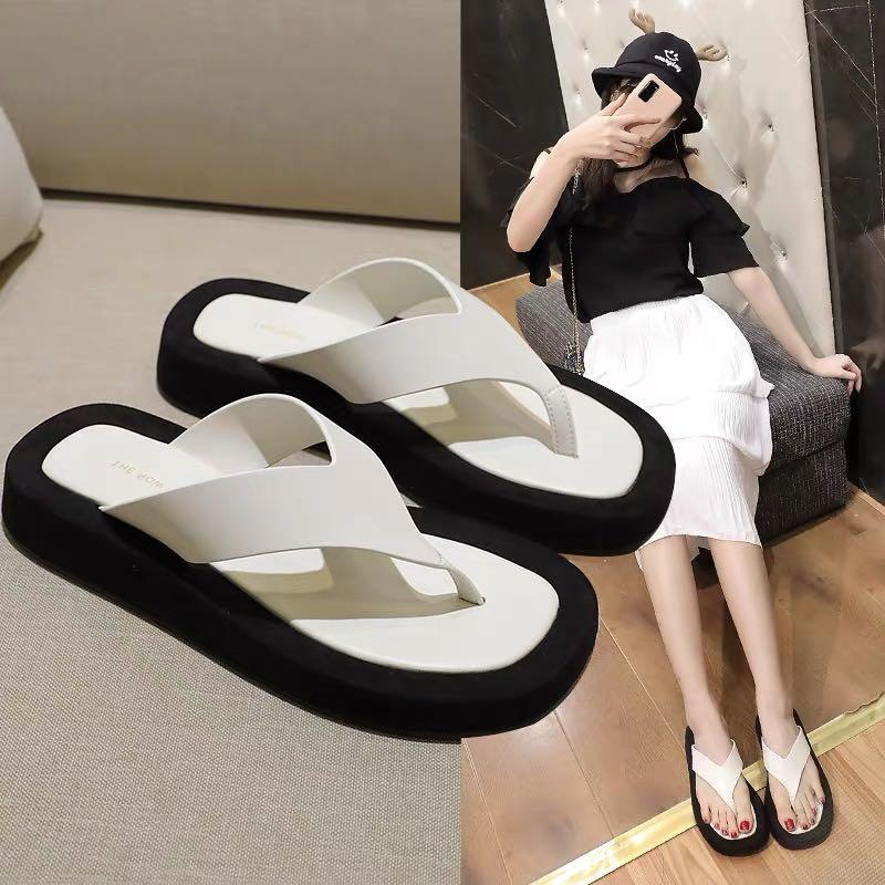 Summer 2020 New Women's Beach Slippers Sandals Ladies Flip-flops Women Thick Bottom Flat Heel Slippers Sandals Shoes