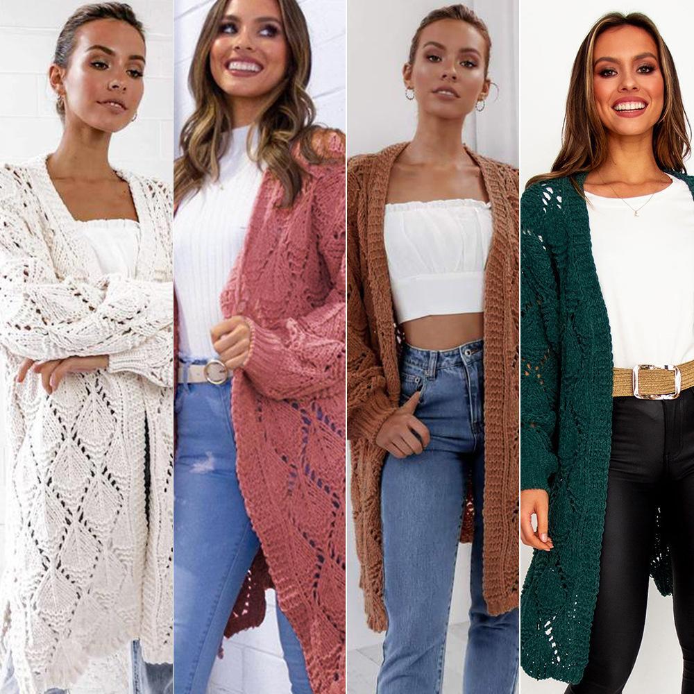 Langer Designerpullover - Der neue Damenpullover für Herbst / Winter 2019 ist eine lange, locker gestrickte Strickjacke mit Rautenmuster