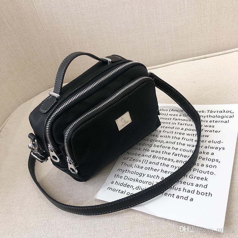 2019 Sacs mode Nylon Messenger Bag Sacs en cuir Nylon Sacs en cuir Nylon Two-tone Bag Sac à bandoulière pour femme juge / 4