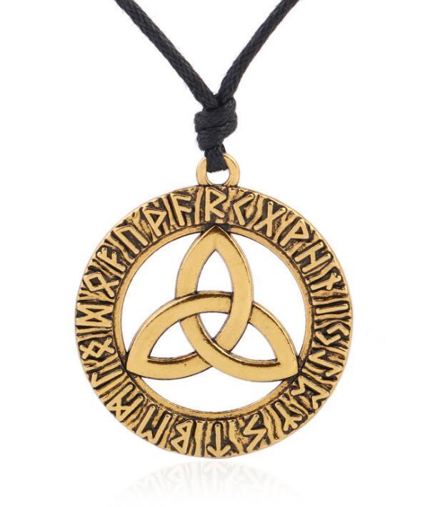 Collana di corda regolabile amuleto vintage con croce triangolare e nodo nordico vintage