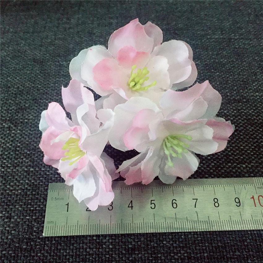 50Pcs Artificial Sakura Kirsche Blütenköpfe Seide Kirschblüten DIY Hochzeits-Bogen-Straße führte Dekoration Partei Kranz Scrapbooking