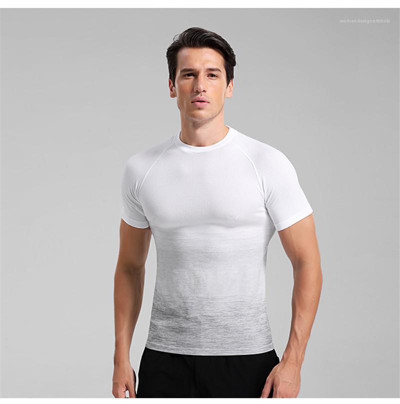 Giyim Erkek Yaz Spor Tasarımcı Tişört Kısa Kollu Mürettebat Boyun Nefes Tees Gradient Renk Koşu Erkek