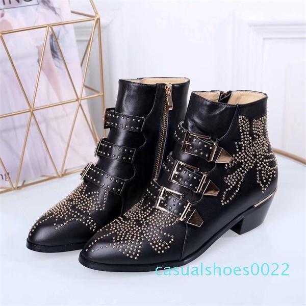 2020 Lüks Susanna Deri Çivili Patik Tasarımcı Boots Gerçek Nappa Leahter Kadınlar Bilek Boots Perçinler Altın Martin Boots Kovboy Önyükleme c22