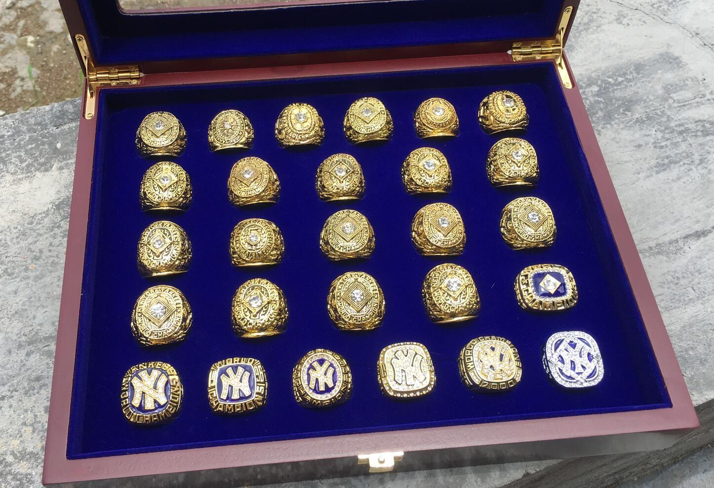 27PCS Yankees Baseball-Team um Champions-Meisterschaft-Ring-Set mit Holzdisplay Box Souvenir Fan-Mann-Jungen-Sport-Geschenk Großhandel 2020