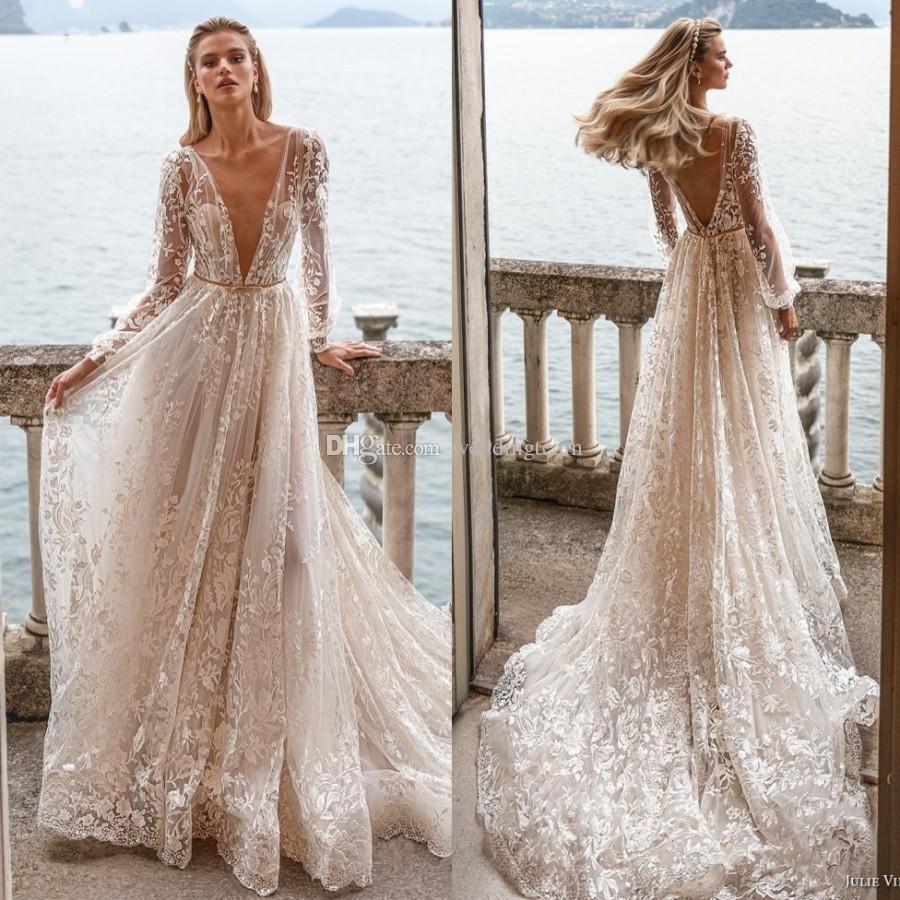 Потрясающие кружева с длинными рукавами Свадебные платья Глубокий V шеи Backless Свадебные платья Линия развертки поезд тюль халат де mariée