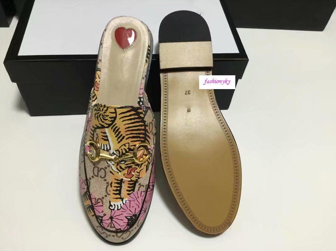 Hot Muli 423513 Princetown Designer Classic scivoloso fibbia in metallo spiaggia pantofole morbide amanti pantofole di alta qualità!