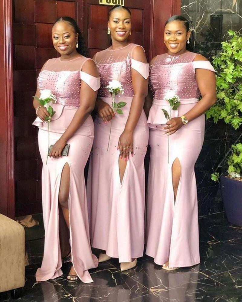 2020 Pearls Sirena Abiti da damigella d'onore Gioiello Laterale Spalato Perle Peplo Plus Size Africano Abiti da sposa Abiti Abiti Africani Robes de Demoiselle D'Honneur