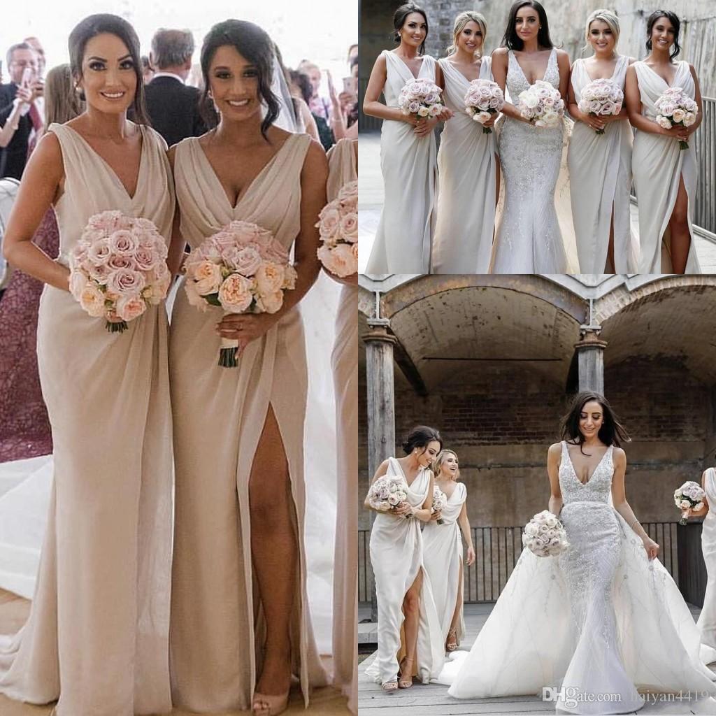 2020 Günstige New Vintage sexy Split mit V-Ausschnitt Brautjungfer Kleider für Hochzeiten Ärmel Split bodenlangen Plus Size Formal Maid of Honor Kleider