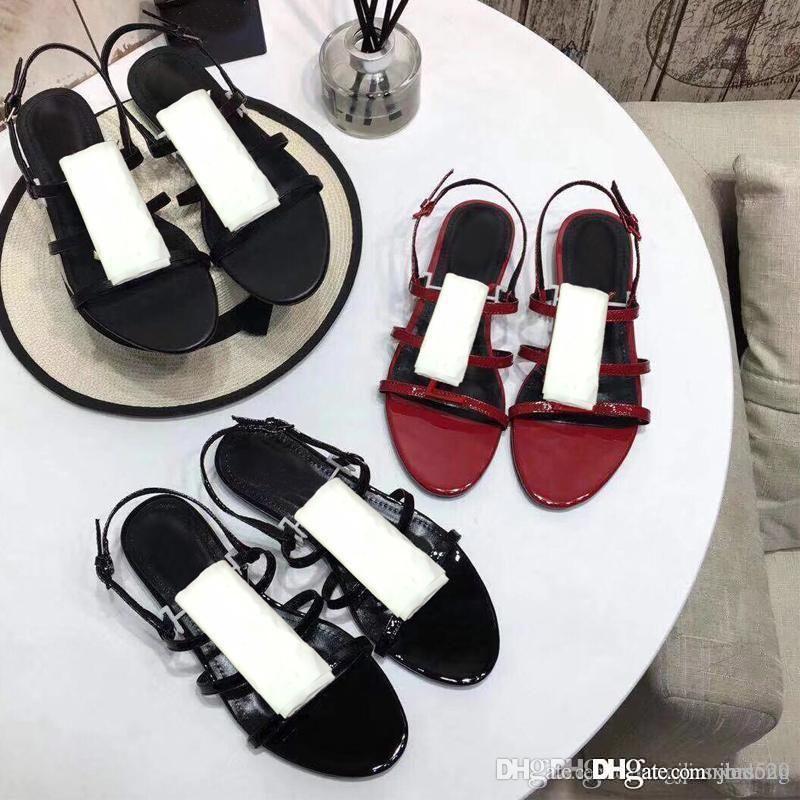 صيف جديد مصمم المنتج الصنادل أزياء جلدية أحذية السيدات الحذاء الروماني شقة القاع الشاطئ متعطل معدني زر مثير مأدبة النساء أحذية كبيرة الحجم 35-40-41 US4 = US10