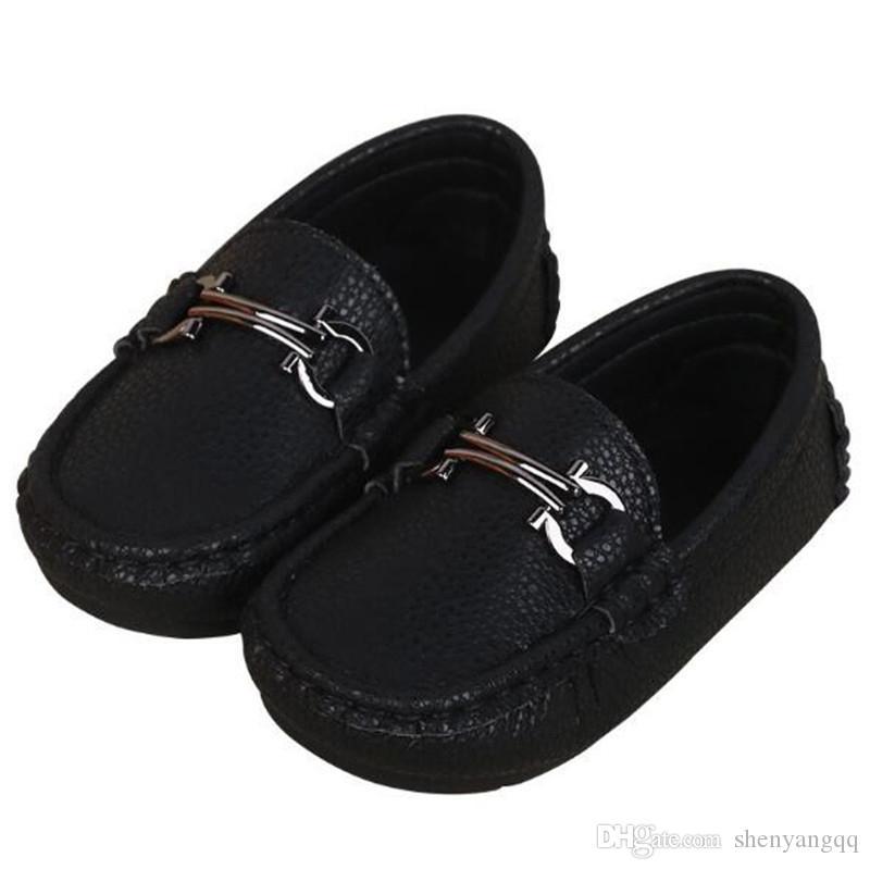 Nueva primavera / otoño Pisos Zapatos de cuero para niños Zapatos de vestir negros para niños Mocasines para niños pequeños Zapatos de estudiante para niños