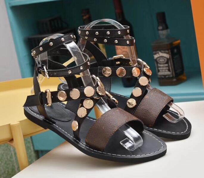 Mulheres Sandálias de Verão Flats Sexy Tornozelo Botas Altas Gladiador Sandálias Das Mulheres Casuais Apartamentos Sapatos de Praia Senhoras Sandales Roman Designer Damas