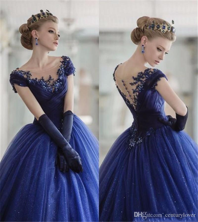 Yeni Lüks Kraliyet Mavi Balo Quinceanera Elbiseler Scoop Boyun Dantel Aplikler Tül Boncuklu Cap Kollu Artı Boyutu Parti Balo Abiye giyim