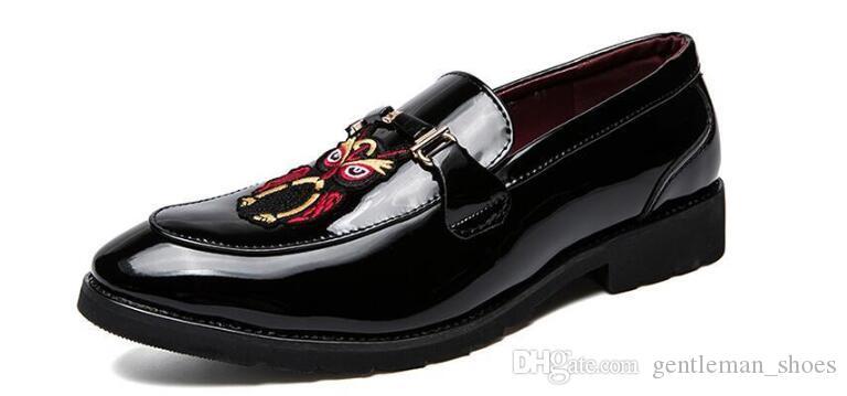 2021 NUEVA LLEGADA HOMBRES DE HOMBRES ZAPATOS DE VESTIDOS Zapatos Popular Homecoming Pageant Oxford Shoes Masculino Zapatillas Hombre