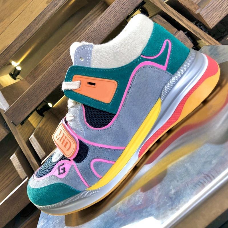 Designer 2020 sapatos novos MensWomens Ultrapace com tênis de corrida clássicos, planos, tênis de grandes dimensões com quadros de multi-colorido